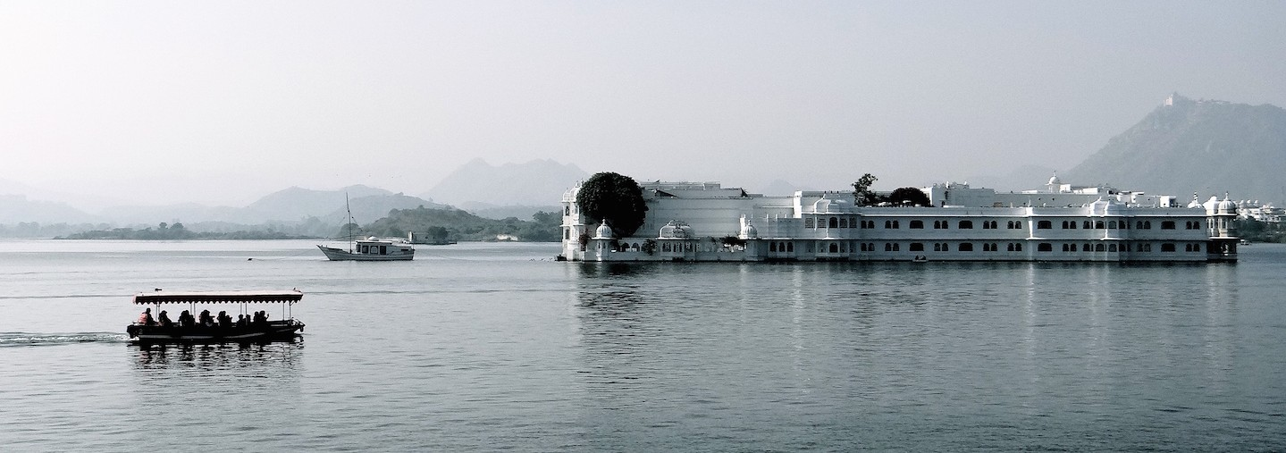 Udaipur Rajasthan Inde Inde du Nord Lac Pichola Taj Lake Palace James Bond